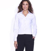 Mannequin avec une chemise blanche et un pantalon noir
