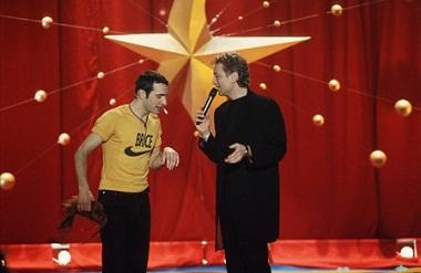 Jean Dujardin Interviewé par laurent Boyer dans l'émission Grain de stars sur M6